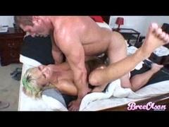 Hot slut Bree Olson gets assrammed hard and takes a creamy warm facial