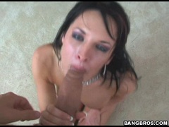 Alektra Blue gets sprayed with a fresh jizzload on her mouth
