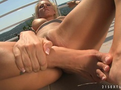 Vega Vixen using her heel bone on her twat until she cums
