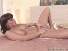 Veronica Vanoza gets naked and rubs her wet pussy