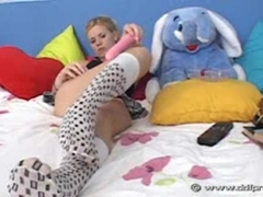 Naughty teen Yasmine Gold playing her cunt with a pink toy