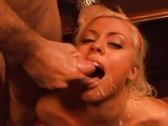 Blond babe Lorelei Lee gets fucked hard and takes a messy warm facial