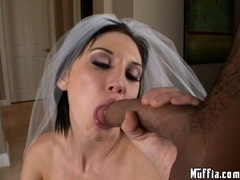 Busty babe Mindy Main takes a big blackdong on her mouth