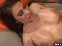 Sexy milf Sheila Marie gets her beaver stuffed on the couch