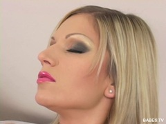 Clara G fills her twat with a glass toy until she cums