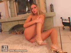Babe Roxy Carter playing her huge tits and pink pussy on the floor