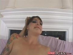 Pornstar Lexi Bardot gets her tight anal penetrated hard