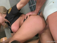 Sexbomb Jessica Moore gets double drilled on her tight holes