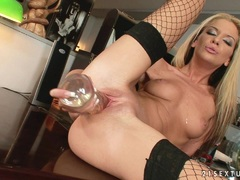White slut Bambi stuffs her pussy with a huge glass toy