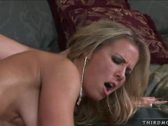 Blonde Kayla Synz gets nailed hard and takes huge juicy facial