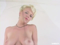 Hottie babe Missy Monroe fingering her thick pink pussy