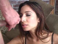 Babe Tiffany Taylor opens her steamy mouth for an awesome jizzpop
