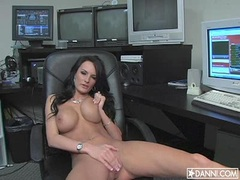 Gorgeous hot babe Alektra Blue rubbing her shaved twat until she cums
