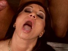 Juicy hottie Lea Lexus gets jizzed on her mouth by three huge cocks