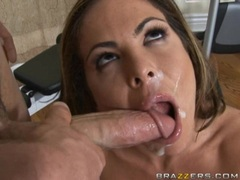 Pretty babe Hunter Bryce receives a rich load of cock spurt on her mouth