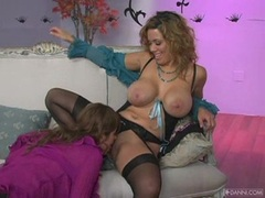 Hotties Lisa Daniels and Sienna West interracial lesbian sex