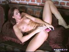 Nympho babe Nakita Kash drills her tight twat with a hard toy