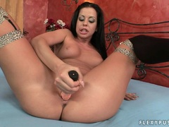 Chunky babe Larissa Dee screws in a huge toy in her sweet shaved pussy
