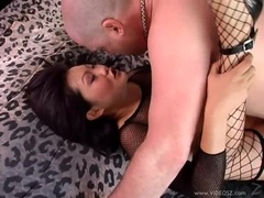 Slutty asian hottie Lucy Lee receives a creamy cock spurt on her mouth