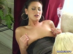 Sultry hot lezbo Kelly Erickson licking her sexy friend's warm snatch