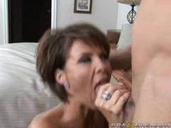 Milf hoey Kayla Synz gets her mouth busy sucking a hard man lollipop