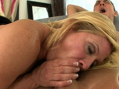 Milf honey Ginger Lynn making a meaty cock cum on her filthy hands