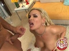 Busty matured pornstar Diamond gets a warm cum on her warm mouth