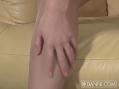 Sexy blondie Marlie Moore fingering her sliky pink slits on the couch