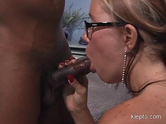 Sizzling Tabitha Stern gets her mouth hooked up on a meaty cock