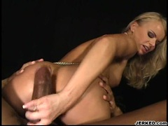 Sexy babe Dora Venter sits her ass on a balck cock while blowing another