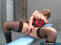 Busty hot blondie Lisa Sparxxx toying on her pink twat until she cums