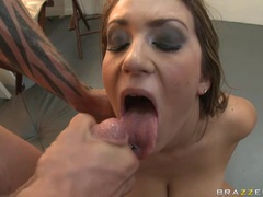Trina Michaels gets her ass fucked and receives a facial