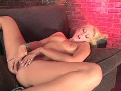 Alluring white bitch Nikki Kane enjoys her fingers in her twat until she cums