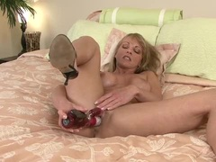 Super horny Shayla Laveaux makes her pussy cum with vibrator
