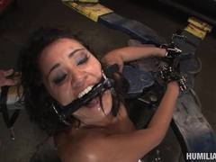 Cum lover Charlee Chase gets her face jizzed after a horny fetish slam