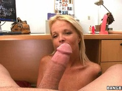 Bitchy hot Leah Lust receives a slimey spurt of cock cream on her sweet mouth