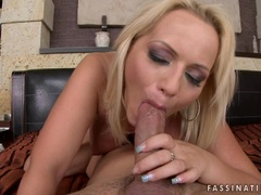 Slutty bitch Sara Simon gets creamed on her mouth after a wild anal action