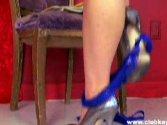 Sugary sweet Kayden Kross lightly rubber her snatch on the chair and enjoys it