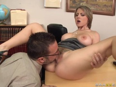 Velicity Von gets her sweet pink pussy munched