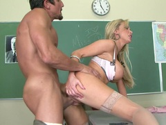 Bitchy blonde Nikki Benz gets the perfect fuck she loves in the classroom