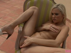 Scorching hot Laura Crystal rubbing her steamy twat gently until she orgasms