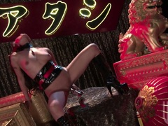 Asian sexbomb Kaylani Lei thumps her favorite toy in her wide spread pussy