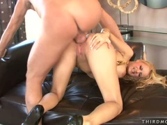 Horny babe Chloe Cruize gets a flowing load of cock sauce on her sweet mouth