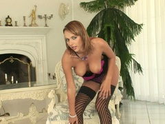 Sexy hot Dorothy Green getting so hot to handle stripping off for a solo action