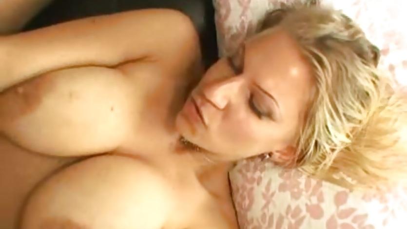 Mature big tits women picture