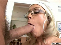 Rockin hot Jessica Moore taking her man's shaft in her mouth like a lollipop