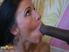 Sweetheart Kendra Secrets loved the sticky spurt of man cream on in her mouth