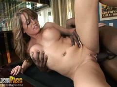 Bitchy beautiful Nichole Heiress receives a hot spurt of man cream in her mouth