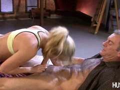 Cock loving babe Kiara Dinae sexily slurping a meaty stick in her sweet mouth