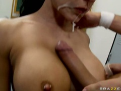 Lusty honey Jessica Jaymes gets her mouth dripping hot with fresh jizzload